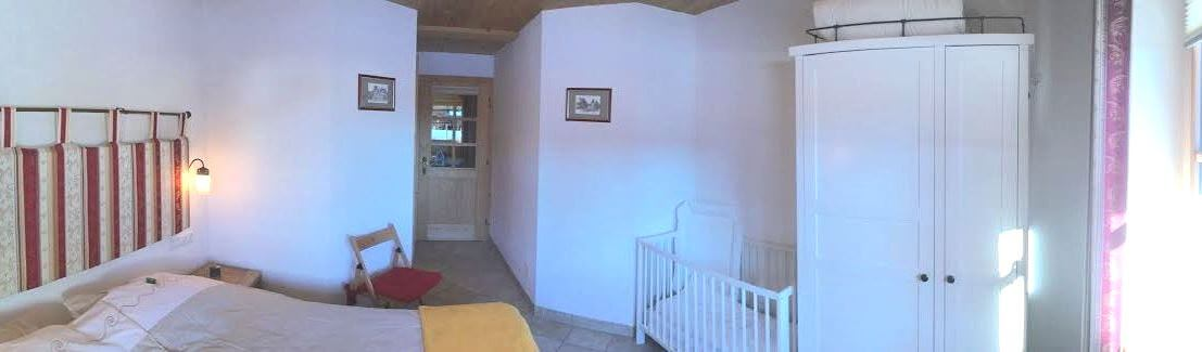 Holidayhome Xieje bad and bedrooms